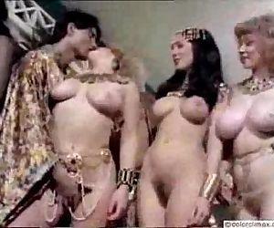 Retro Nudes - 7 min