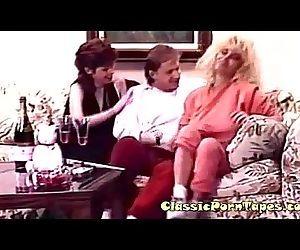 Retro FFM threesome party