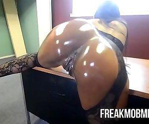 Armani Stickys Big..