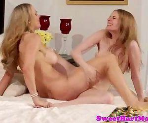 Sexy lesbian babes..