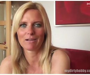 Sexy German MILF gives..