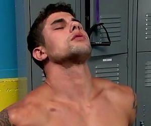 Gay amateur muscle..