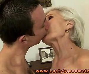 GILF amateur granny..