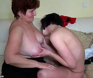 Older women fucking..