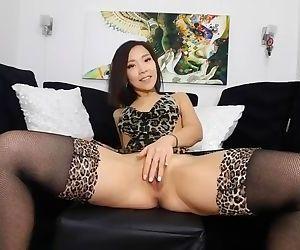 Amazing long dildo anal..