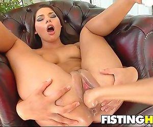 Fisting Babes Clara G &..