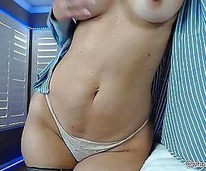 Big Ass Milf Camgirl..