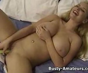 Busty Mariah..