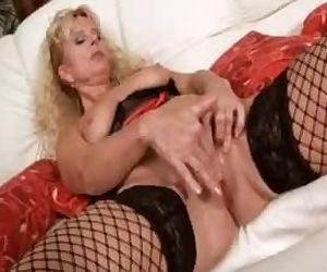 Blonde mom Merilyn..