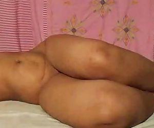 Indian Aunty Mona - 7 min
