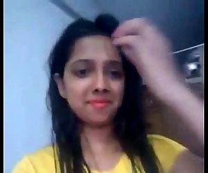 Desi girl playing pussy..