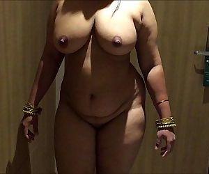 INDIAN DESI WIFE AUNTY..