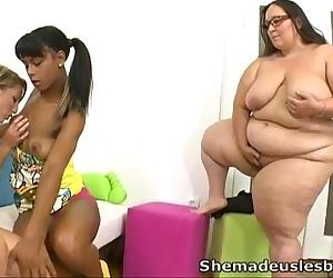 She Made Us LesbiansA..