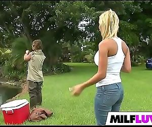 Screwing Beautiful MILF..