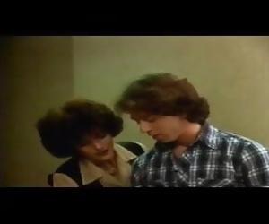 Gloria Leonard seduces..