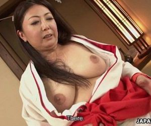 Mature Asian tramp in..