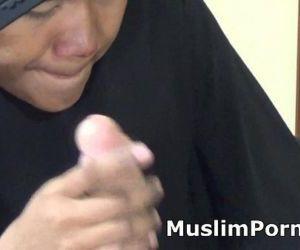 fat-muslim-mammy-cock-s..