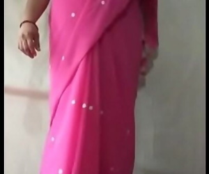 Milf indian saree aunty..