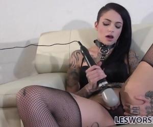 Fetish lesbian Leigh..