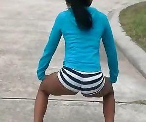 Black Teen Twerking..