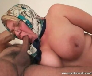 Fat mature blonde likes..