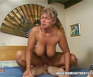 Mature Woman fucks her..