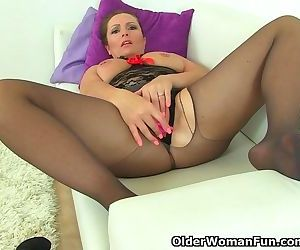 British milf Samantha..