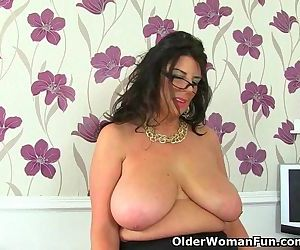 UK milf Lulu Lush is..