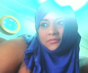 arab girl webcam show..