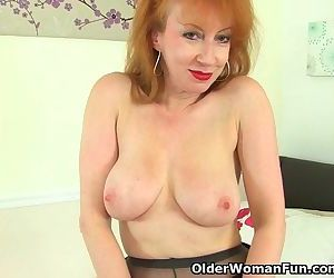 UK milf Red is looking..
