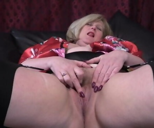 Afternoon Dildo Fuck
