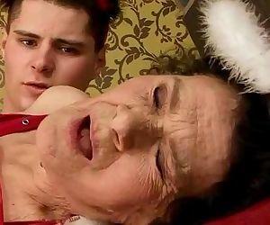 Granny baci