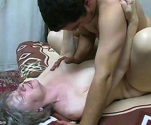 OldNanny Granny sucking..