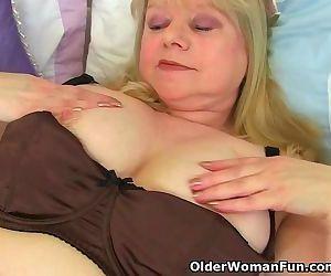 English granny Amanda..