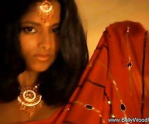 Desi Dancer Beautiful..