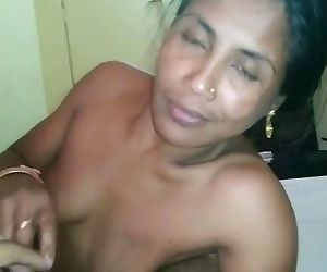 Indian wife has oral..