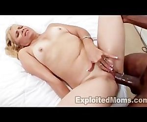 Mature Mom barely takes..