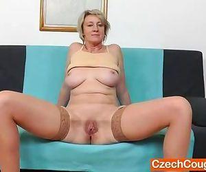 Blonde amateur-mom solo..