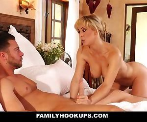 FamilyHookups - Hot..