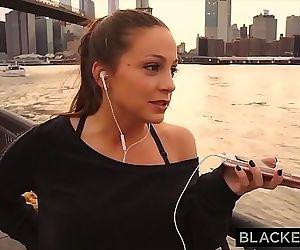 BLACKEDRAW Abigail Macs..