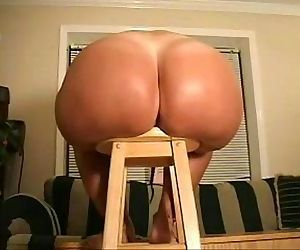 Big butt wife spreads -..