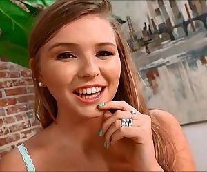 Melissa MayHer Yummy..